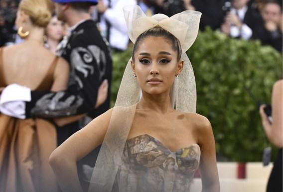 Ariana Grande kondigt verloving aan