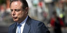 De Wever ontslaat politieagent na racistische opmerking in justitiepaleis
