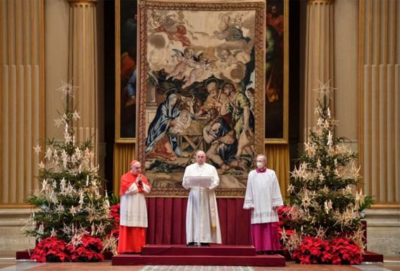 Paus geeft Urbi et Orbi-zegen digitaal