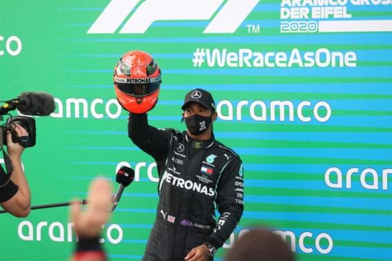 Lewis Hamilton wikt en weegt, maar heeft nog geen contract