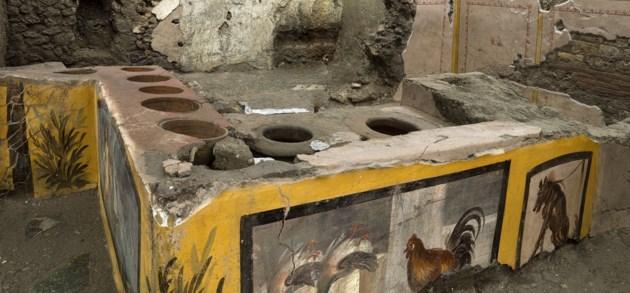 Archeologen leggen Romeins eethuis bloot in Pompeï