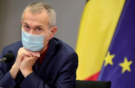 Vandenbroucke: 'Medisch en juridisch onderzoeken of uitstel tweede dosis kan'