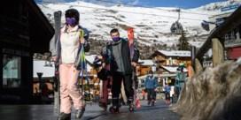 Honderden Britten ontvluchten verplichte quarantaine in Zwitsers skioord