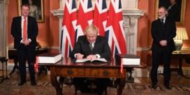 Boris Johnson ondertekent Brexit-handelsakkoord
