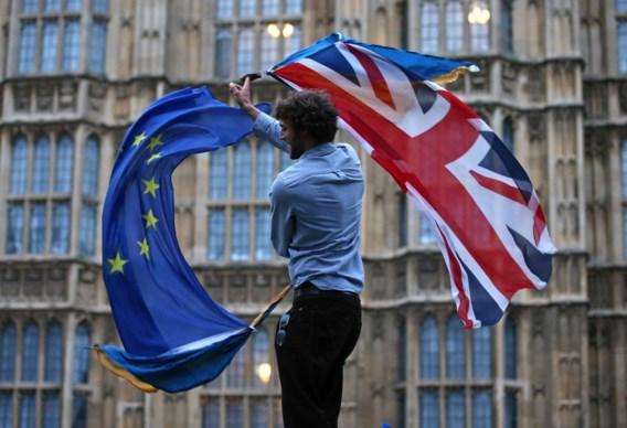 Ook Britse hogerhuis en koningin Elisabeth geven groen licht voor Brexit-akkoord