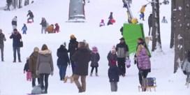 Honderden mensen negeren maatregelen en trekken naar Duits skigebied