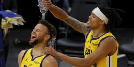Een doldwaze mix van briljant basketbal: getergde Stephen Curry scoort 62 (!) punten in NBA