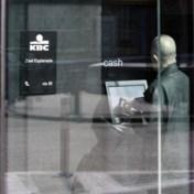 KBC maakt populairste rekening opnieuw duurder