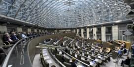 Jarig Vlaams Parlement betaalt voor 'special' in maandblad