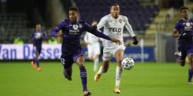 """Anderlecht legt Rode Duivel Hannes Delcroix langer vast: """"Hij is een voorbeeld"""""""