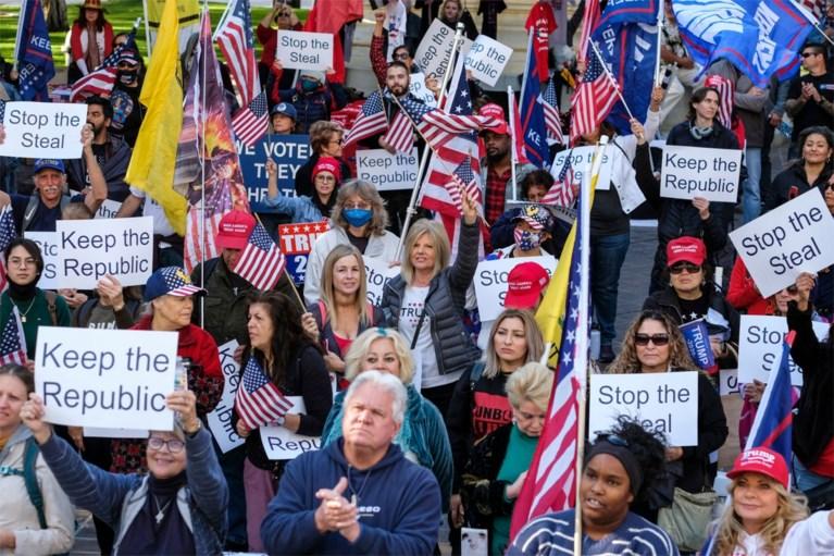 Trump spreekt duizenden aanhangers toe in D.C.: 'Verkiezingen gekaapt door radicalen'