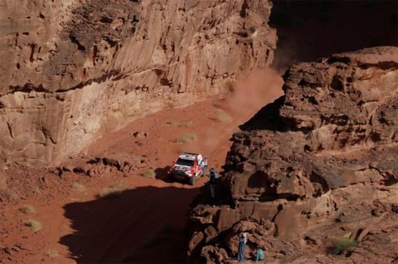 DAKAR. Al-Attiyah wint etappe en nadert op Peterhansel in Dakar 2021
