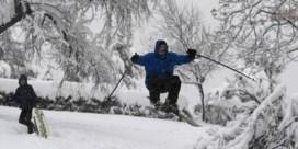 Madrilenen genieten met volle teugen van zeldzame sneeuwval