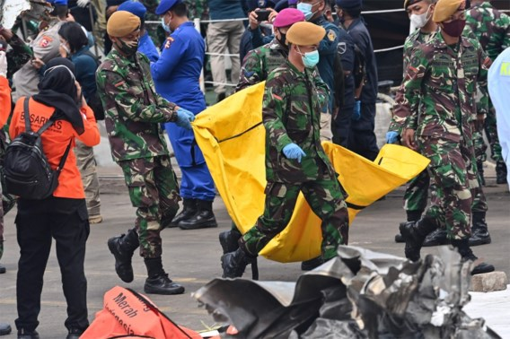Zwarte doos neergestort vliegtuig Indonesië opgevist
