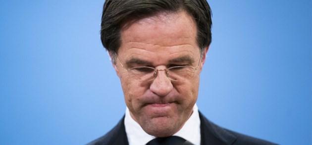 Nederlandse regering valt alsnog over toeslagenaffaire: 'Het is verschrikkelijk misgegaan'