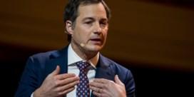 Premier over vertraging levering Pfizer: 'Dit zo paar dagen op voorhand zeggen, dat gaat niet'