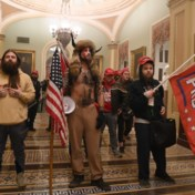 Oorlogscorrespondent deelt nieuwe opvallende beelden van Trump-fans in Capitool