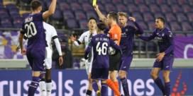 Twee penalty's zetten Anderlecht op weg naar verdiende zege tegen Charleroi
