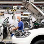 Autofabrieken vallen stil, maar wie draagt schuld?