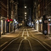 Nederland voert met frisse tegenzin avondklok in