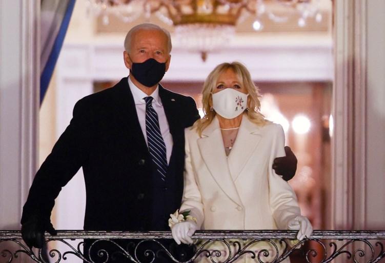 Sterren en oud-presidenten brengen eerbetoon aan president Biden tijdens virtuele show