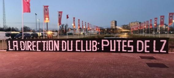 Harde kern Antwerp haalt uit naar bestuur na comeback van Didier Lamkel Zé