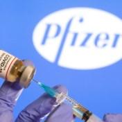 Nieuw licht op vertraging: Pfizer schroefde levering vaccins terug na kennis over zesde dosis