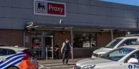Overvallers steken uitbater Proxy Delhaize neer