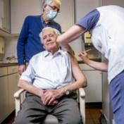 Beke: 'Vaccinaties in woonzorgcentra op schema'