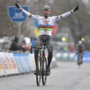 Mathieu van der Poel wint Flandriencross in Hamme vijfde keer op rij