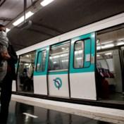 Advies Franse experts: 'Praat niet meer op openbaar vervoer'
