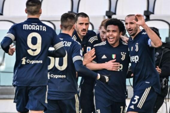 Juventus sluipt weer wat dichter naar Milanese clubs, Mertens onderuit met Napoli en Nainggolan verliest degradatieduel