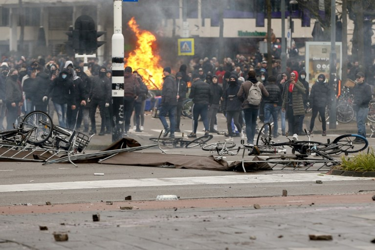 Betoging tegen avondklok in Eindhoven ontspoort