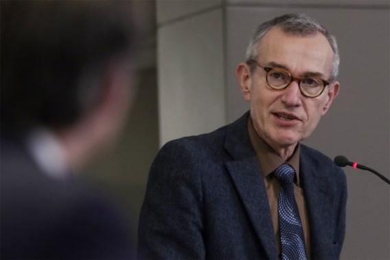 Vandenbroucke bezorgd om mutaties van coronavirus: 'Het is een gevaar, een epidemie in een epidemie'