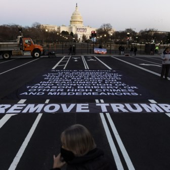 Het impeachmentproces? 'Een krachtige aanpak van covid, dát is nu de prioriteit'