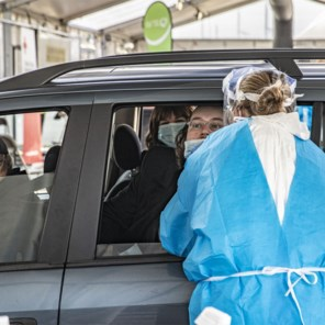 Waarom de brede screening in Antwerpen moeizaam verloopt: vierde van opgeroepen inwoners liet zich testen