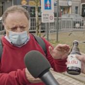 Van Ranst deelt 'vaccinbier' uit: 'Ludiek initiatief'