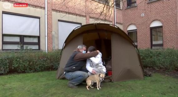 Beveren werkt aan oplossing voor dakloos koppel dat kampeerde in tuin OCMW