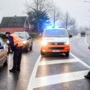 Politie voert steekproefcontroles uit aan grens met Nederland
