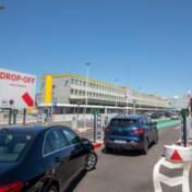 Vaccinatie op Brussels Airport is gratis, maar parkeren niet