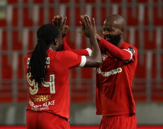 Antwerp ondanks Lamkel Zé-show pas in slotfase voorbij rode lantaarn Waasland-Beveren