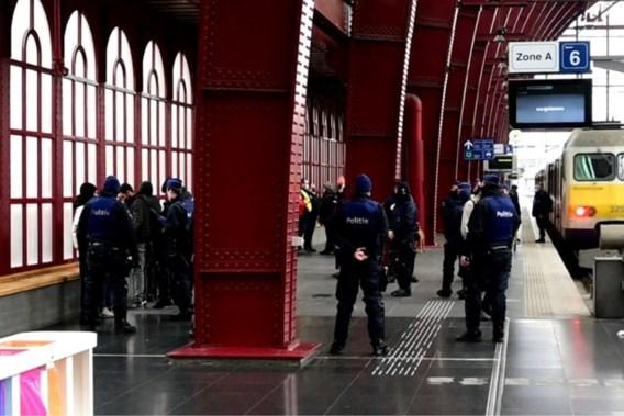 Antwerpse politie pakt acht minderjarigen op na oproep tot betoging