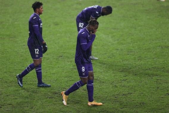 Geen doelpunten in slaapverwekkende wedstrijd tussen Anderlecht en AA Gent