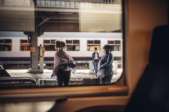 NMBS sluit de loketten in 44 treinstations