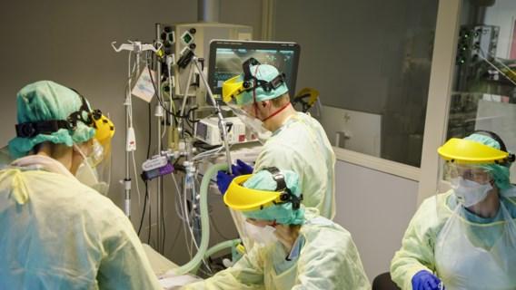 Ziekenhuisopnames en sterfgevallen blijven dalen