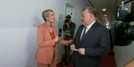 Australische parlementsleden gaan in de clinch over complottheorieën