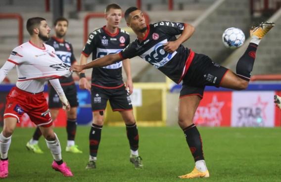 KV Kortrijk boekt comfortabele derbyzege tegen Moeskroen en rekent af met degradatiespook