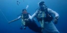 Indiaas koppel trouwt onder water