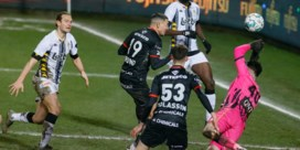 Zulte Waregem raapt in 92ste minuut nog verdiend puntje op het veld van Charleroi