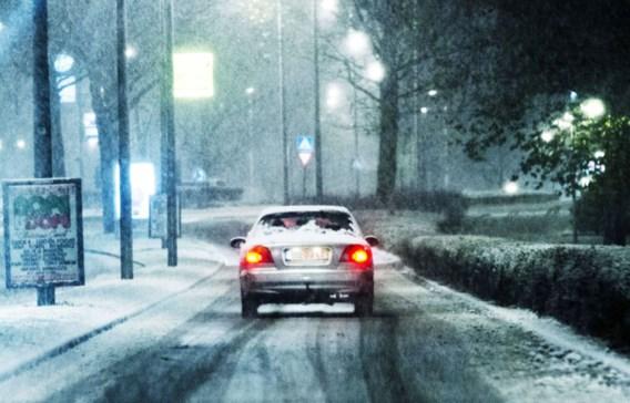 De koudeperiode is begonnen: mogelijk gevaarlijke situaties op de weg door sneeuwval